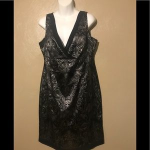 Jones  Wear silver/black dress size 14.  Polyester
